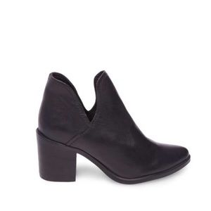Steve Madden Postal Pointed Toe Bootie